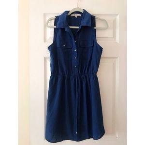 Dresses & Skirts - Lightweight collared blue dress.